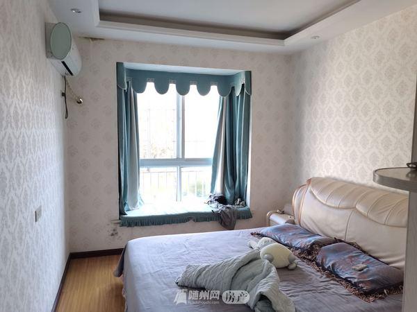 文峰湖岸新城豪华装修四居室!148平米仅售86万!86万!