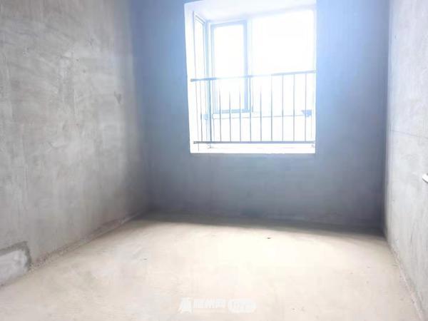 出售千千水岸三期3室2厅1卫110平米66万住宅